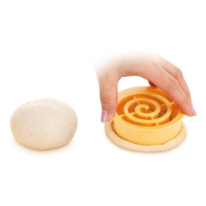 BREAD ROLL MAKER, SPIRAL