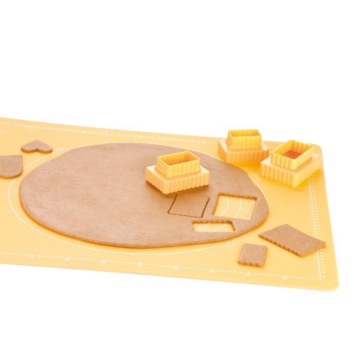 DOUBLE-SIDED COOKIE CUTTERS, BISCUITS